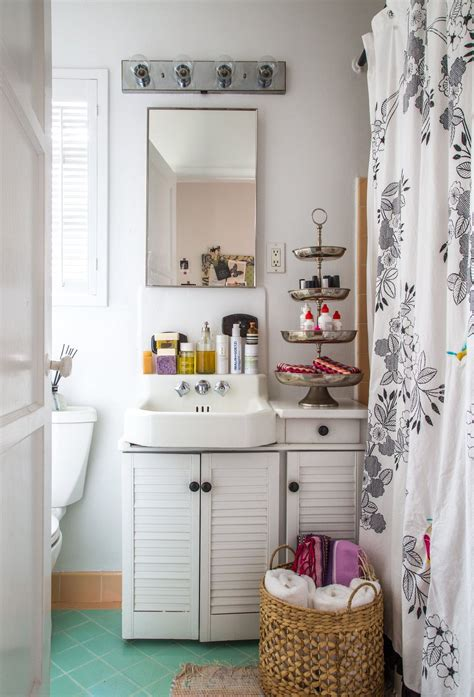 10 Styling Ideas for Small Rental Bathrooms Apartment