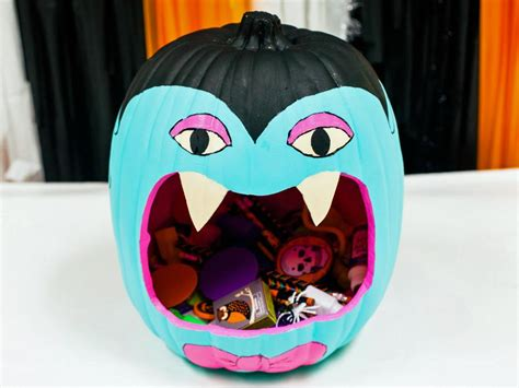 10 Ways to Decorate a Teal Pumpkin DIY