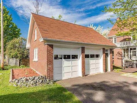 1935 Woodland Ave Duluth MN 55803 Zillow