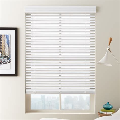 2 Faux Wood Blinds Blinds