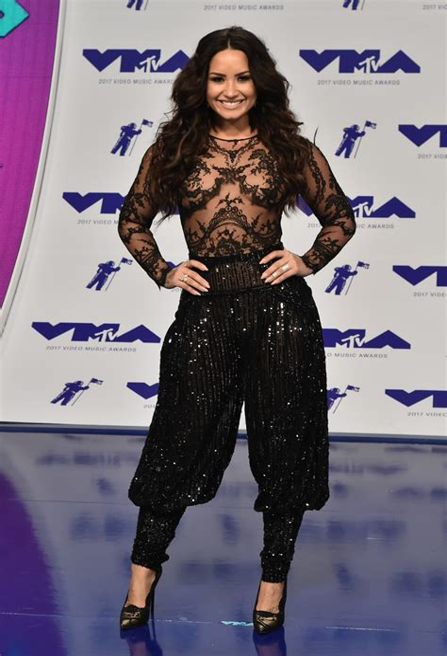 2017 MTV VMA Red Carpet Photos Katy Perry Demi Lovato
