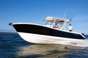 280CC Center Console Fishing Boat EdgeWater Boats