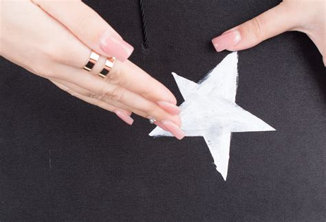 3 Ways to Decorate Your Graduation Cap wikiHow
