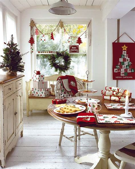 50 Christmas Table Decorating Ideas for 2011 Homedit