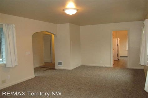 510 N Oak St Burlington WA For Rent 1 350 Homes