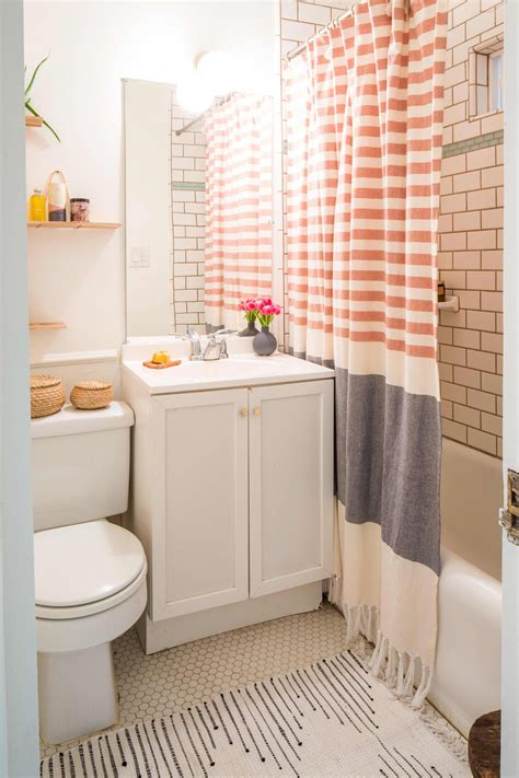 7 Ideas for a Tiny Bathroom Apartment Therapy