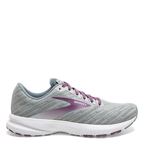 Alan s Shoes Men s and women s athletic footwear