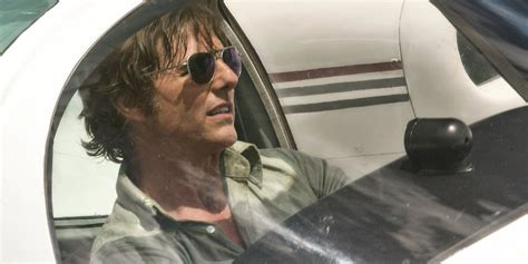 American Made Includes Tom Cruise Plane Stunt Screen Rant