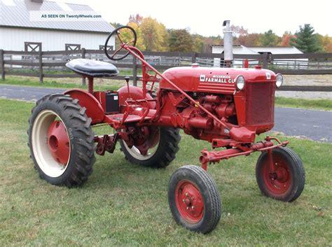 Antique International Farmall Tractor Farmall Cub