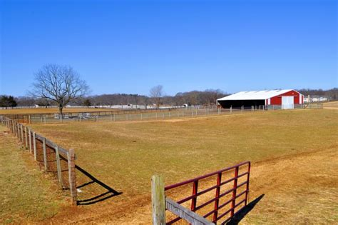 Auction Equestrian Farm in the Storied Horse Country of