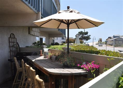 Beautifully Decorated Condo Steps to Beach VRBO