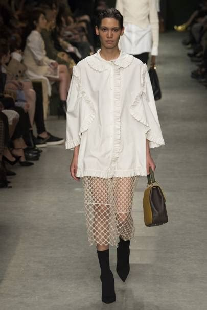 Burberry Spring Summer 2017 Ready To Wear show report