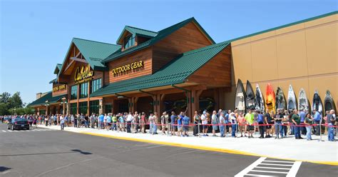 Cabela s Store in Chesterfield Michigan Cabela s