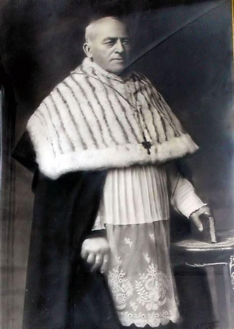 Canon priest Wikipedia
