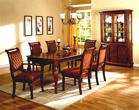 Casual Dining Havertys