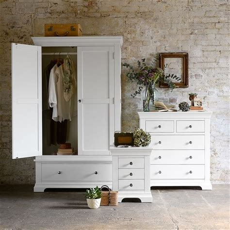Chantilly White with free delivery The Cotswold Company