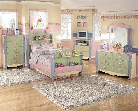 Children s bedroom set furniture by owner