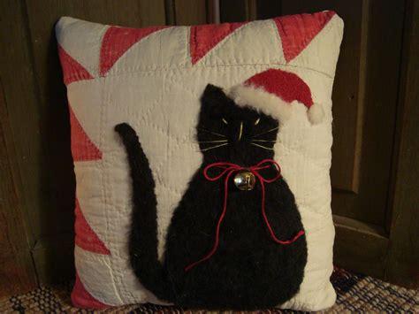 Christmas Cat Pillow Sewing Pattern CraftAndFabricLinks