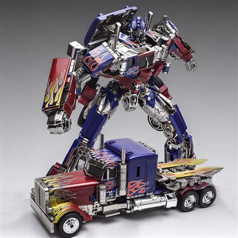 Comic Convention Toys Action Figures Transformers