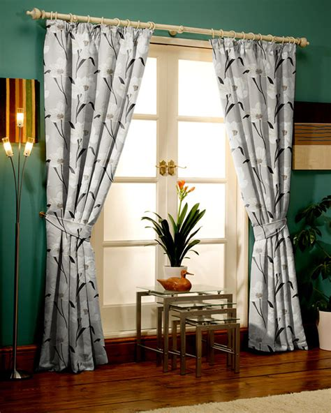 Curtains Curtains Bespoke or Cheap ReadyMade Blinds UK