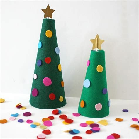 Decorate the Felt Christmas Tree Activity for Kids Buggy
