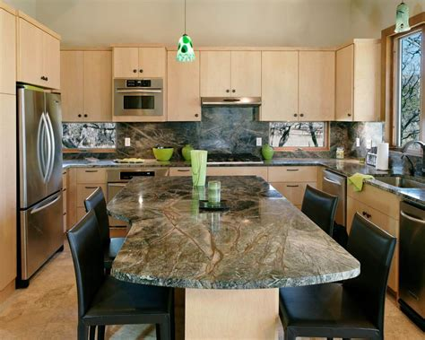 Design Kitchens and Counter Tops