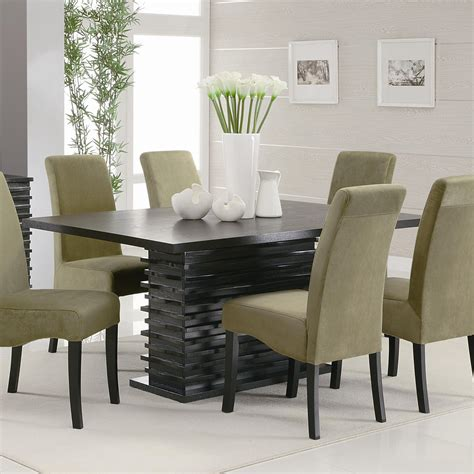 Dining Room Table And Chairs Furniture in Fashion