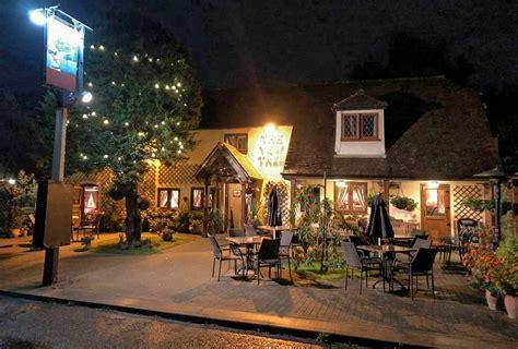 Dining Yew Tree Inn