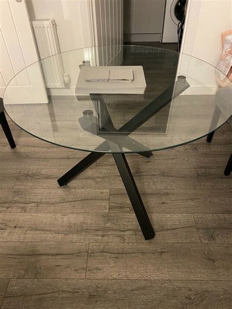 Dining table and 4 chairs in Cardonald Glasgow Gumtree