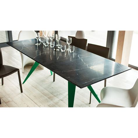 EQ3 Mesa Rectangular Dining Table