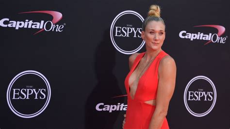 ESPYs 2017 See Red Carpet Fashion The Complete Winners