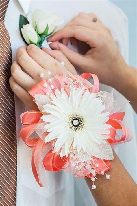 Easy to Make Wrist Corsage Wedding Flower Tutorial