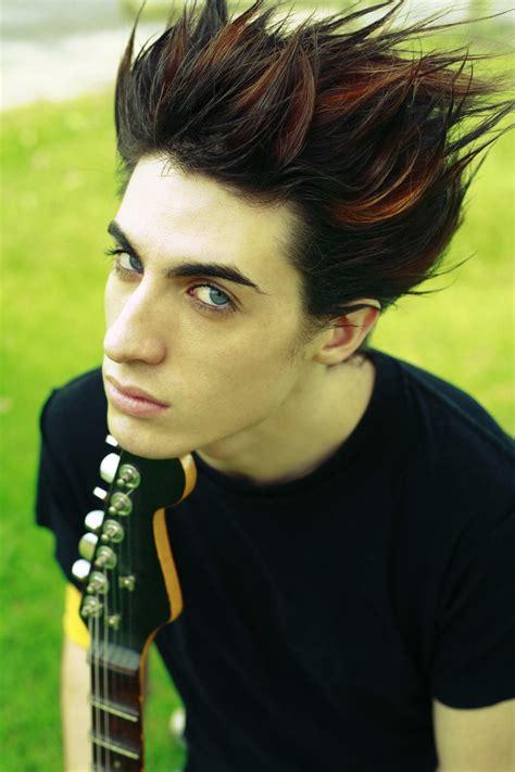 Emo Hair   Emo Hairstyles   Emo Haircuts