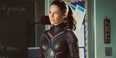 Evangeline Lilly s Wasp Costume Revealed Screen Rant