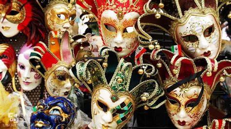 Facts About The Carnival of Masks in Venice Italy