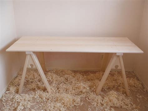HOW TO MAKE A 14th CENTURY TRESTLE TABLE