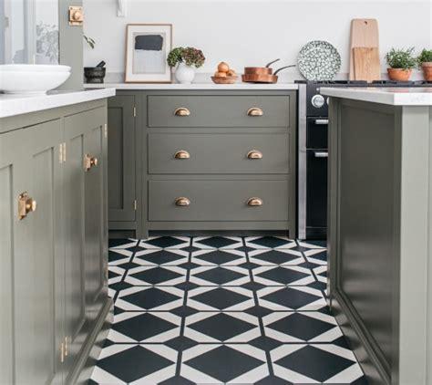 Harvey Maria Modern Luxury LVT Vinyl Floor Tiles