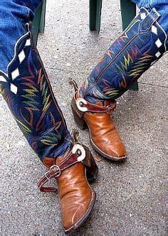 Hot Boots A community of men into BOOTS