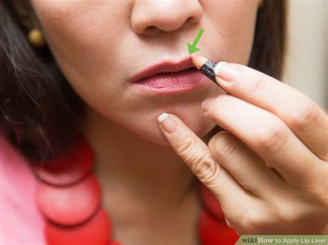 How to Apply Lip Liner with Pictures wikiHow