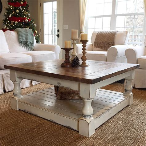 How to Decorate a Modern Coffee Table