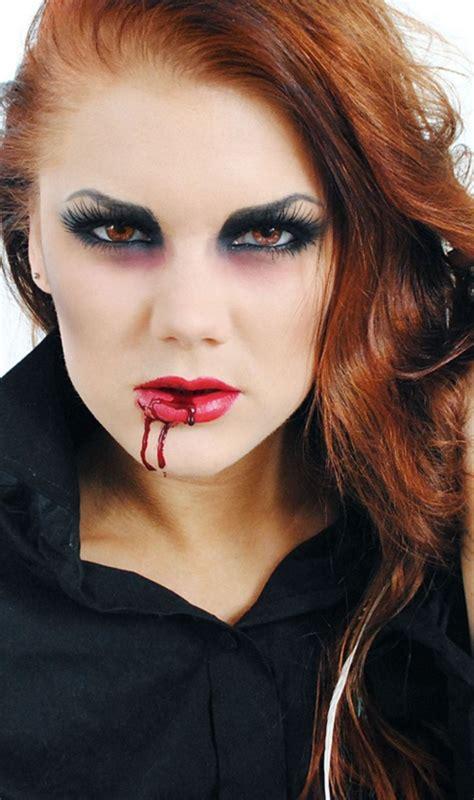 How to Do Halloween Vampire Face Makeup