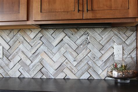 How to Lay Tile in a Diamond Pattern eHow