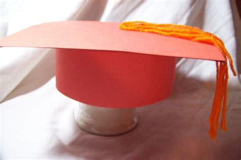 How to Make Graduation Caps Out of Paper Cap