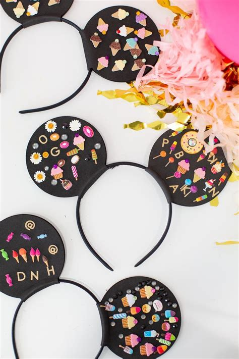 How to Make Mickey Minnie Mouse Ears for a Party