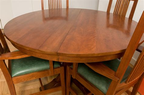 How to Refinish a Veneer Table Top Hunker