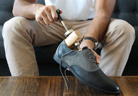 How to Use and Where to Buy Shoe Stretchers