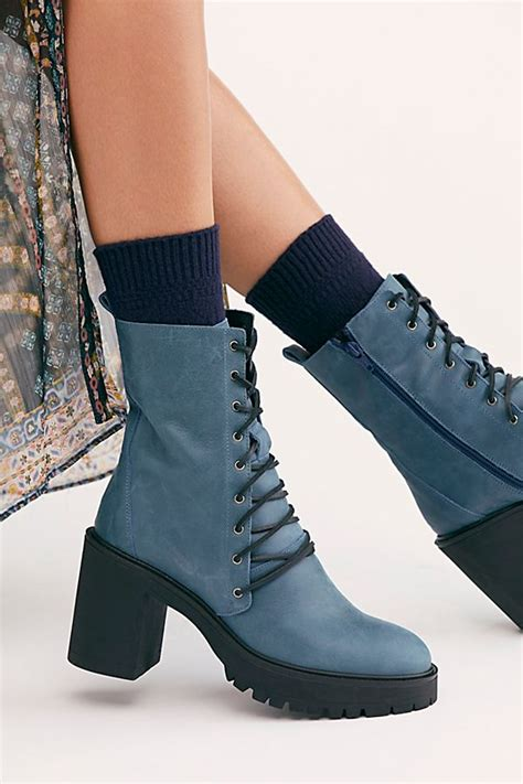 How to Wear Socks Boots College Fashion