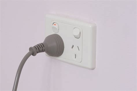How to Wire Electrical Plugs In Australia Hunker