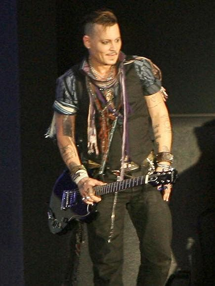 Johnny Depp makes his first red carpet appearance since