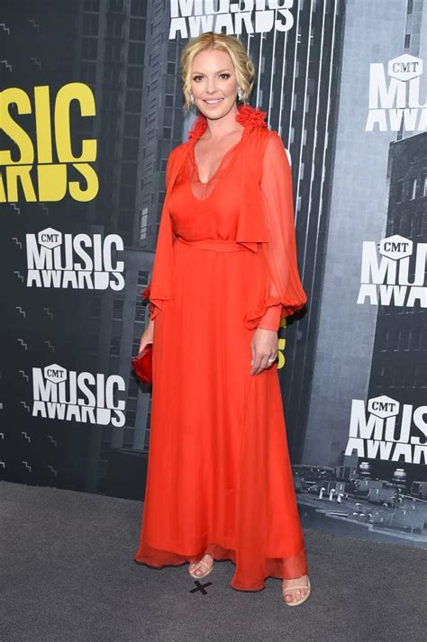 Katherine Heigl 2017 CMT Awards red carpet Pictures